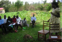 MAM-olio-country-health-assistant-helping-train-800