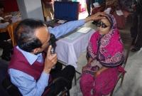 symbiosis-young-woman-having-eye-exam-IMGP0636