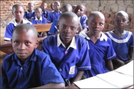 50 new school desks in Uganda