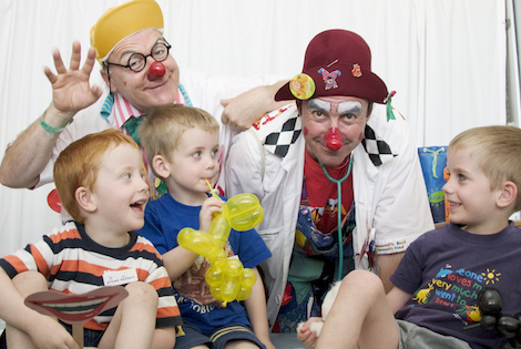 clown-doctors-and-children